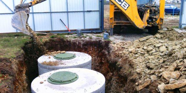 монтаж септиков из бетонных колец